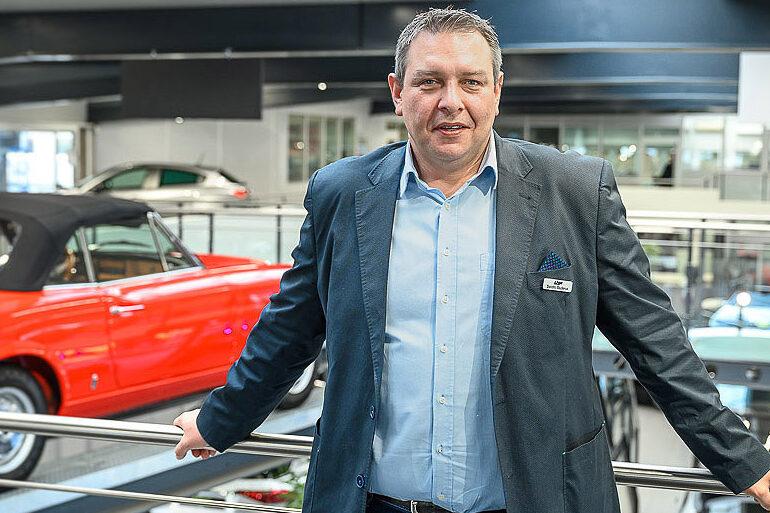 Leidenschaft für Autos und den Verkauf